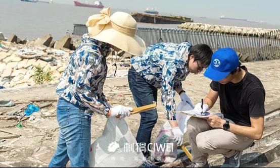 炎炎夏日,主播将参与海洋公益行动,呼吁减塑!