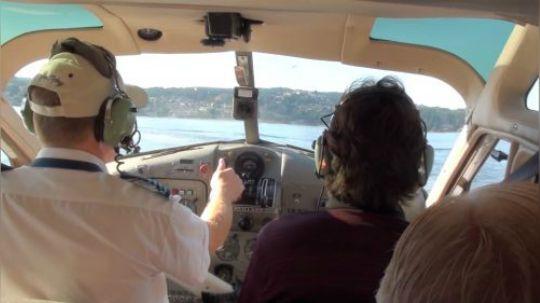 从飞机驾驶舱里实拍水上飞机起飞,这下涨知识啦!