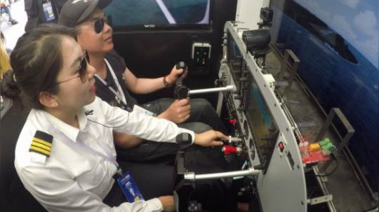 飞行体验: 赛斯纳172私人飞机女飞行员教你飞模拟机!