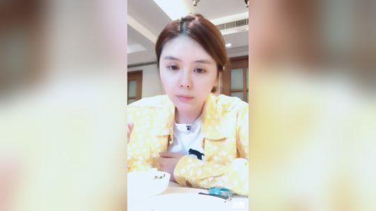 斗鱼女主播张琪格直播视频2018.10.6 12点场