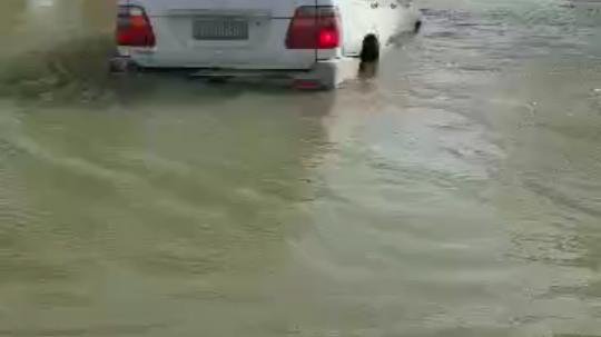 【奇遇】水淹沙漠罗布泊!!越野强穿塔里木河被拽回!!