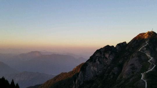 山上没有网 很漂亮
