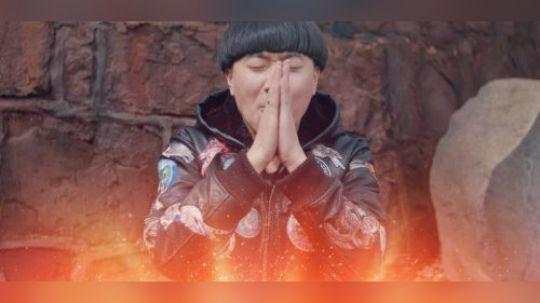 陈翔六点半:单身小伙祈求得到一个女神女票,结果自己成了小三!