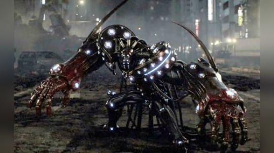 小伙带领队伍阻击外星怪兽,在折损了几名大将之后,终于获得胜利