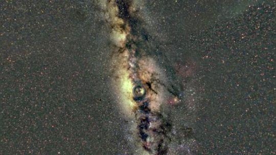 黑洞之旅——掉入黑洞看到的景象
