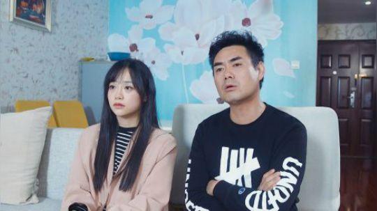 陈翔六点半:就因为电视节目不好看,夫妻大吵一架!