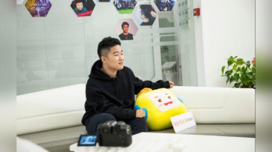 酷我中国电竞人物志:LionKK高空秒变HelloKitty