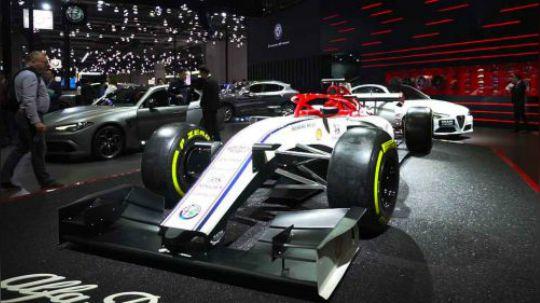 F1铁杆车迷带你看懂阿尔法·罗密欧展台最特别车模