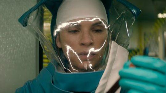 片片解说最新美剧《血疫》 关注微信公众号:小片片说大片,给你更多宠粉福利!