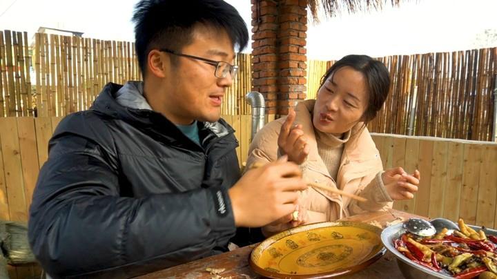 一鍋辣椒還原超火辣的麻辣鹵,三斤鹵貨下鍋,一口下肚滋味難忘