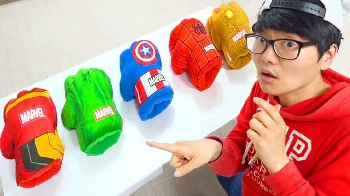 韓國小蘿莉寶藍變身漫威超級英雄去幫助弱小,既瀟灑又可愛!